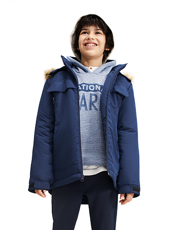Detachable hood jacket with fur trim.