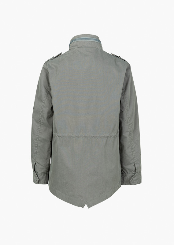 Jacket with chest pockets with a flap.