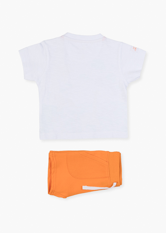 Shorts & white tee set.
