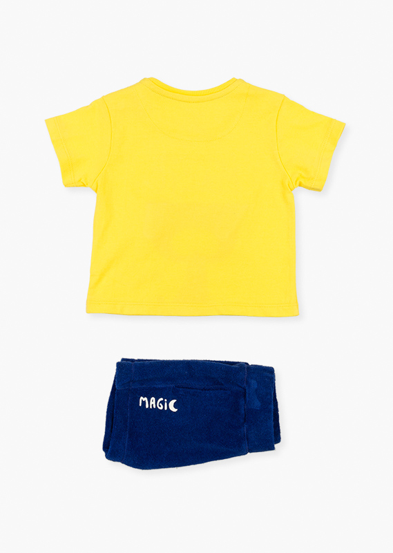 Yellow t-shirt & shorts set.