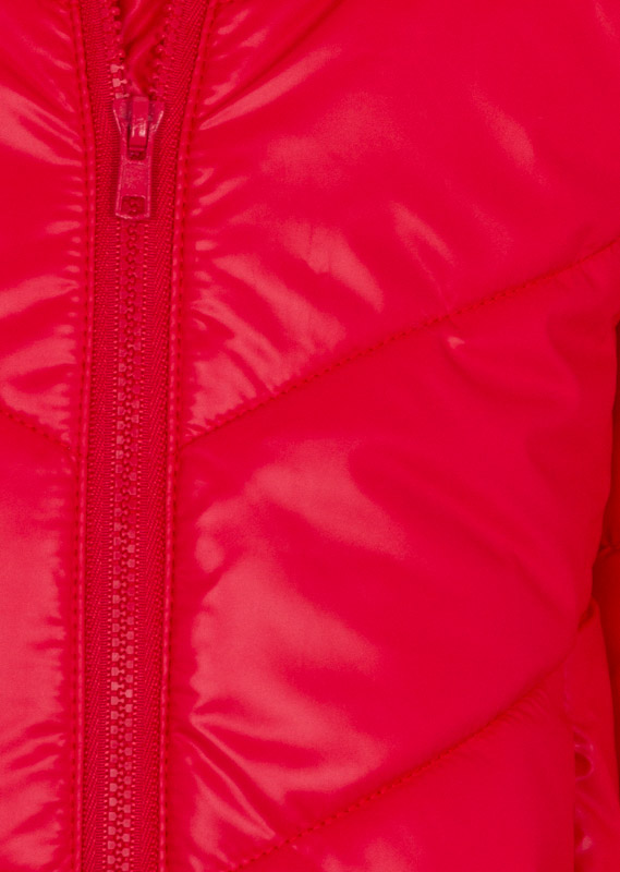 Detachable hood jacket with a zip at the hood.