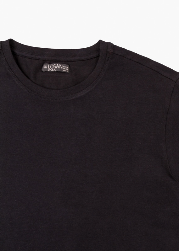 Essential collection tee crafted from cotton with elastane for man
