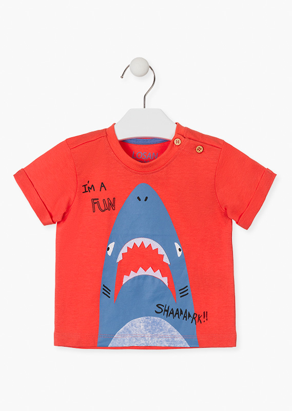 Short sleeve t-shirt with shark motif.