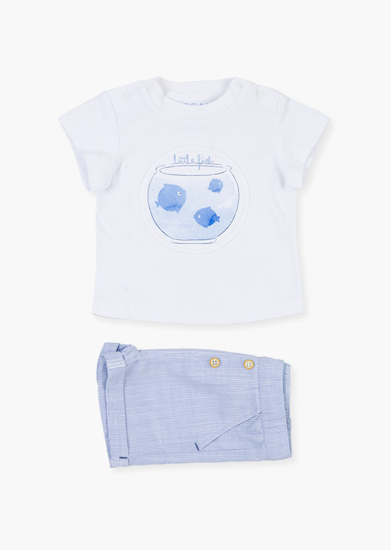 Patch t-shirt & shorts set.
